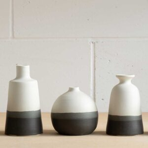 edit-juhasz-ceramics-medium-monochrome-bottle-featured