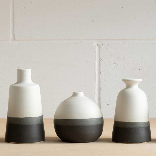 edit-juhasz-ceramics-medium-monochrome-bottle-featured